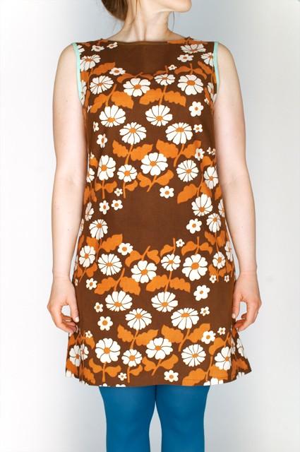 daimstrut klänning blommig chokladglass