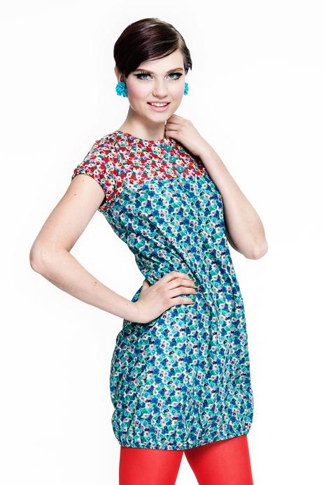 klänning cissi och selma retroblommig tunika
