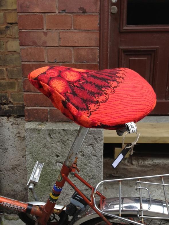 orange retro sadelskydd till cykelsadel handgjort