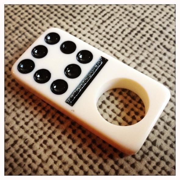 domino åtta prickar ring