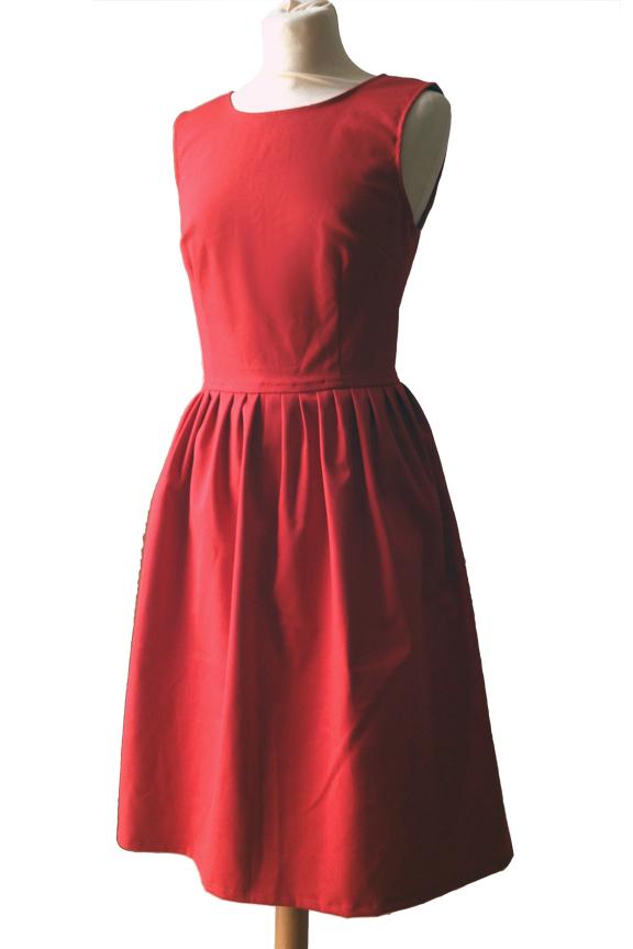 röd klänning stormhund
