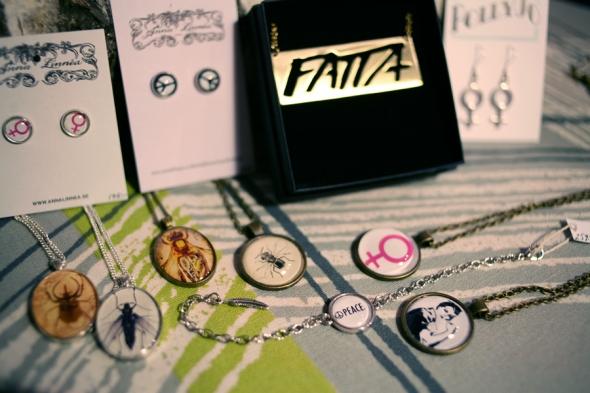 feminist smycke insekter